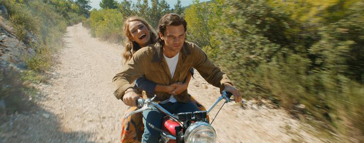 Mamma-Mia-Here-We-Go-Again_st_2_jpg_sd-low_-2018-Universal-Pictures